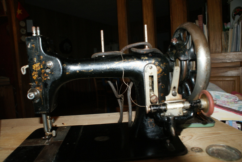 concernant la canette d'une machine à coudre la favorite (c'est une Mundlos Original Victoria). Machin13