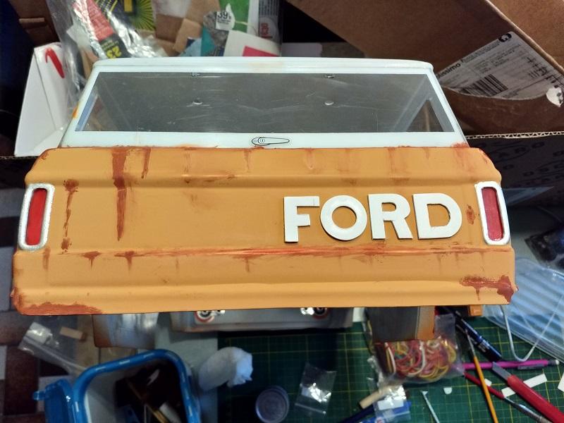 Mon Vaterra Ford Bronco. Img_2034