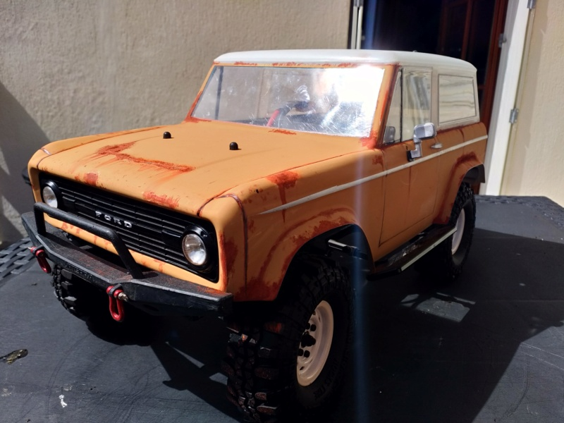 Mon Vaterra Ford Bronco. Img_2035