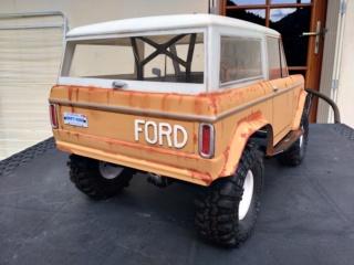 Mon Vaterra Ford Bronco. Img_2036
