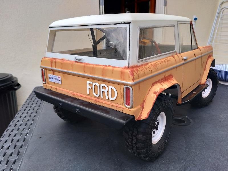 Mon Vaterra Ford Bronco. Img_2047