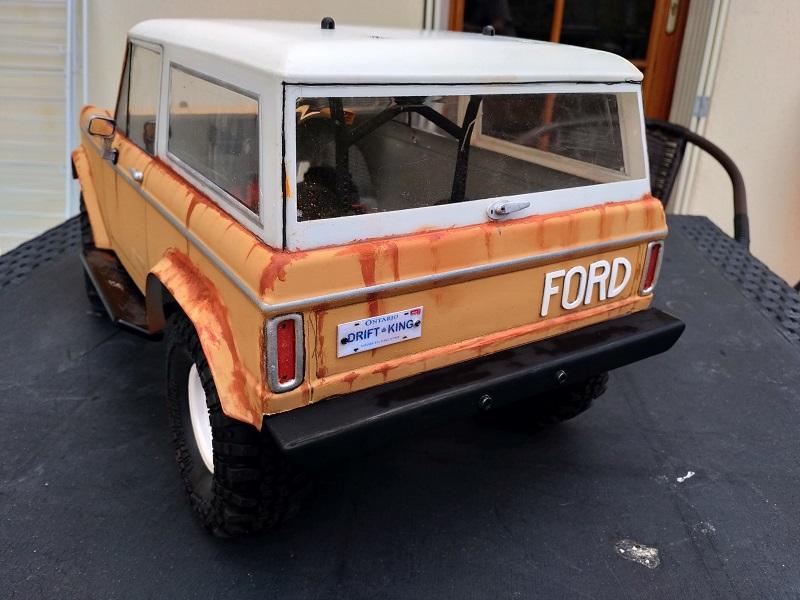 Mon Vaterra Ford Bronco. Img_2048