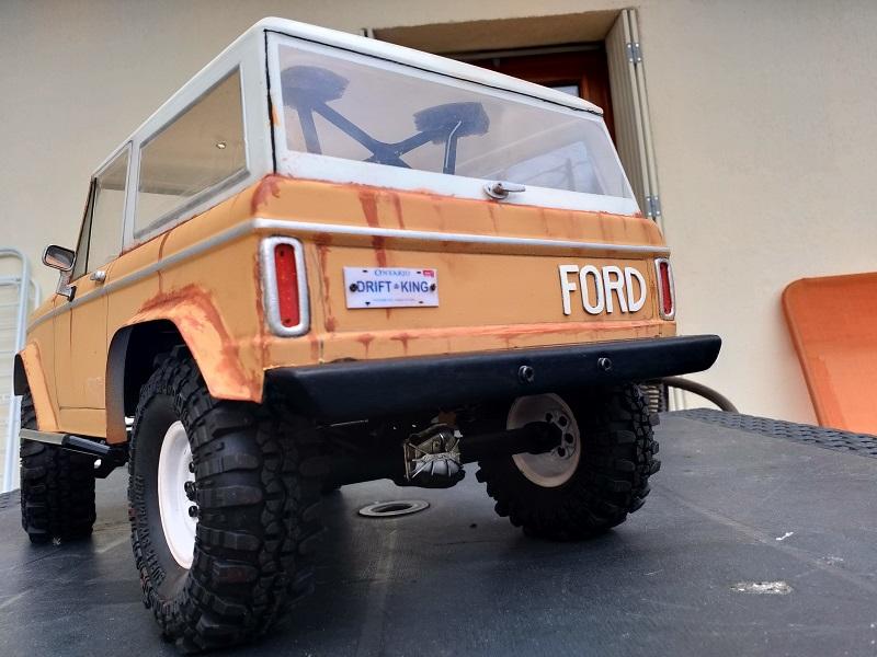 Mon Vaterra Ford Bronco. Img_2049