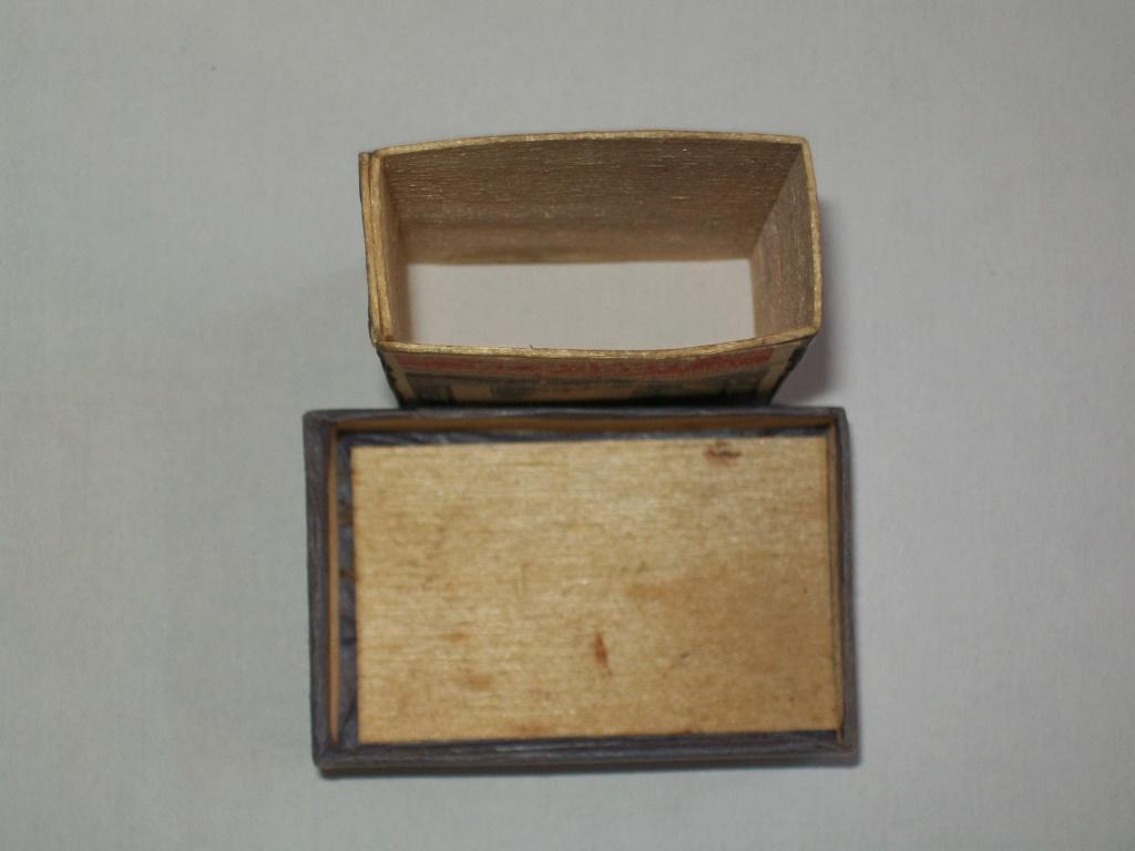 UNE boîte d'allumettes! 100_5066