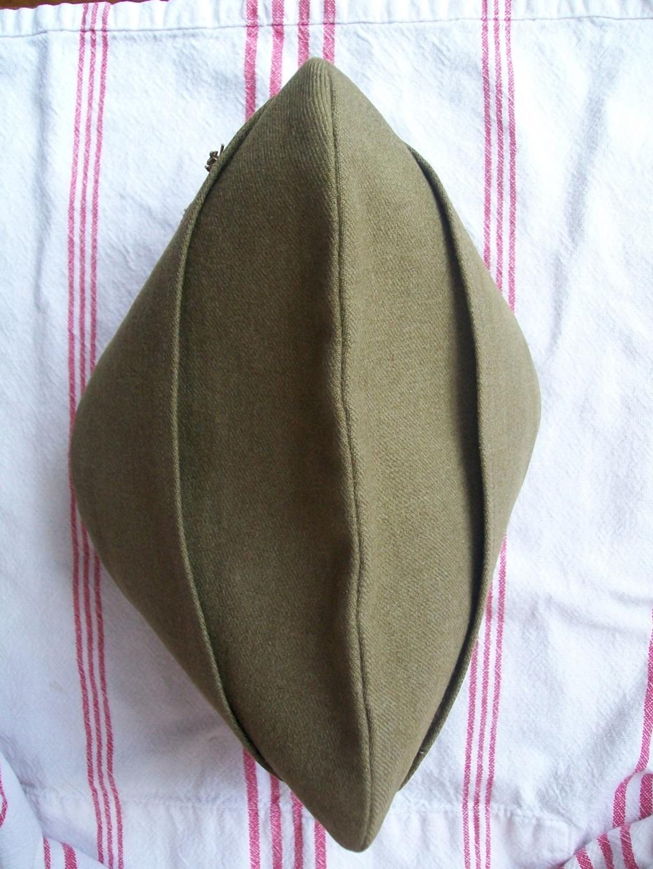 Quel type de bonnet de police? 100_6471
