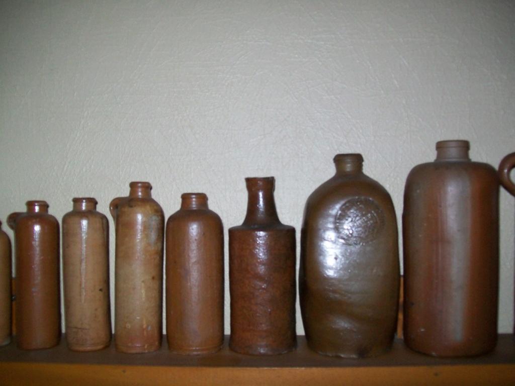 Flacons et bouteilles. 100_6653