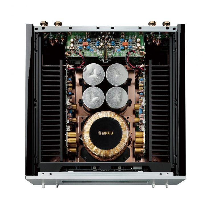 Yamaha 2500p Vs Mcinstosh y Adcom Galeri10