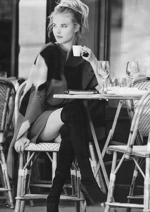 جمال المرأة بشرب القهوة 19990311