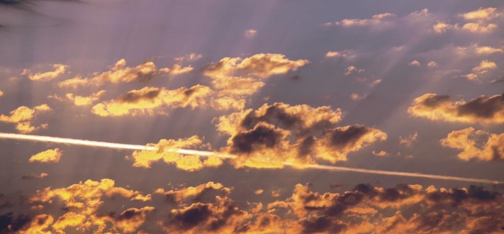 Beaux ciels, crépuscules  et nuages  - Page 2 Ciel_210