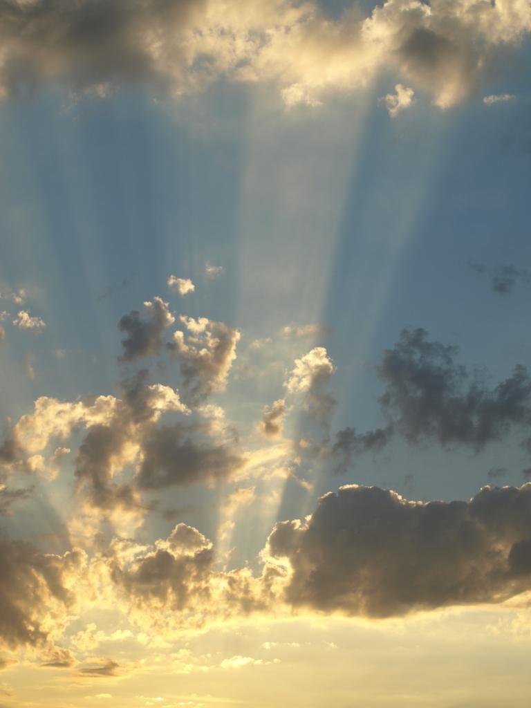 Beaux ciels, crépuscules  et nuages  - Page 2 Ciel_311