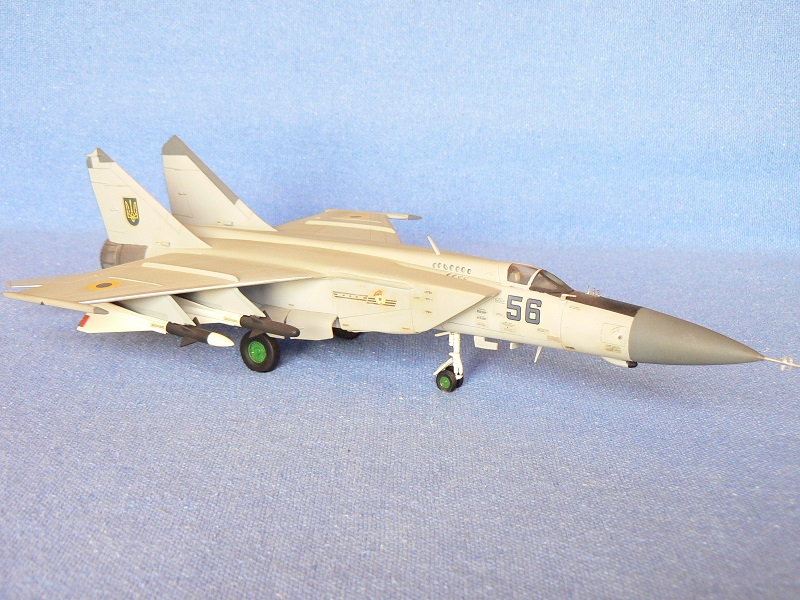 Montage MiG 25 ICM - Page 5 Pic13410