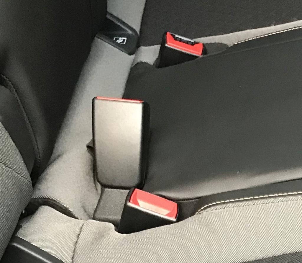 Ancoraggi cinture di sicurezza posteriori Cintur10