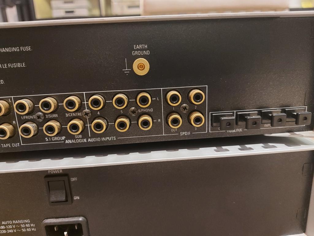 Linn Akurate Kontrol Pre-Amp And AKurate 2200 Power Amp Linn_a14