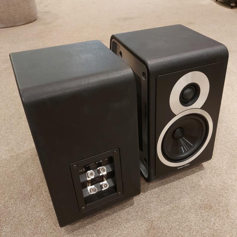 Sonus Faber Chameleon B Bookshelf Speaker Black SOLD Sfcham12