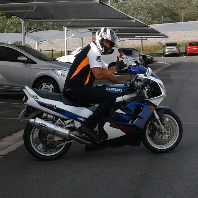 Minha Suzuki GSX-R 1100W 98-99 Pp10
