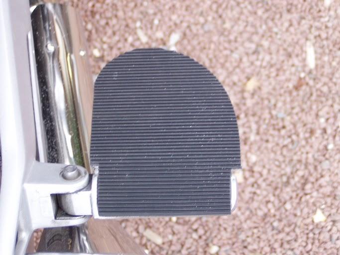 Repose-pieds passager Pa080012