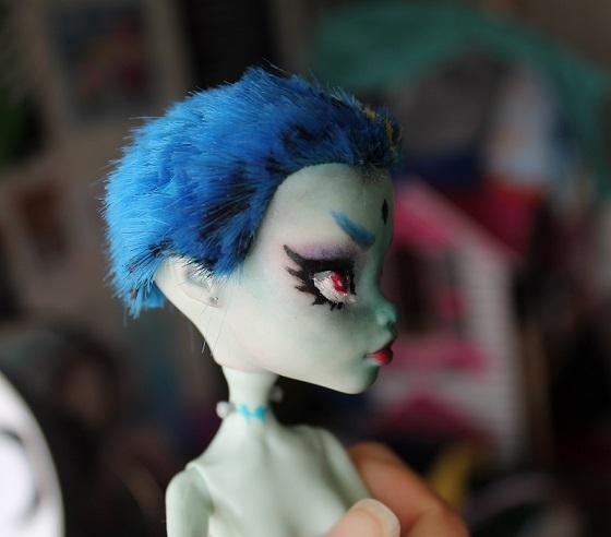 [Monster High] Mes repaints ! Franki10