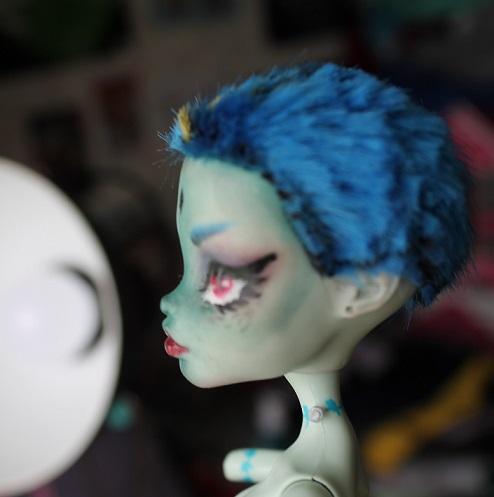 [Monster High] Mes repaints ! Franki12