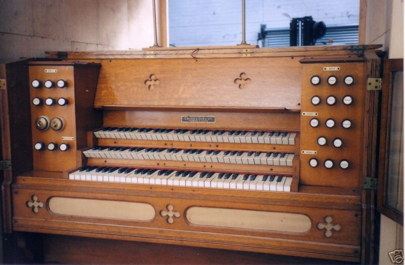 Reed organ Cramer and Co 3 claviers R_patt11