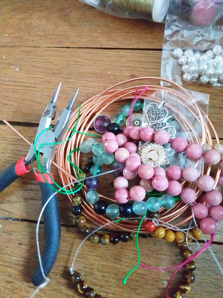 Création de bijoux en pierres. Matzor10
