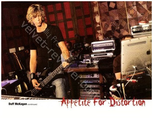 2004.03.DD - Bass Player Magazine - Welcome Back To The Jungle (Duff) 0403xx12