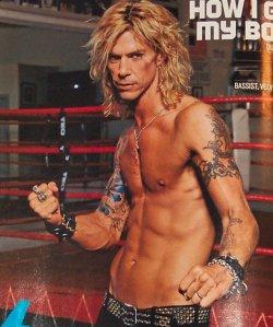 2004.10.DD - GQ Magazine - How I Get My Body (Duff) 04100110