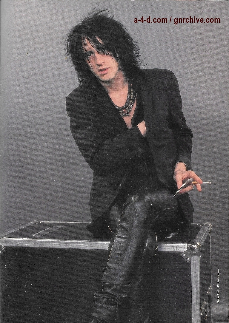 1989.12.DD - Rock Scene - Hangin' with Izzy Stradlin 1989_124