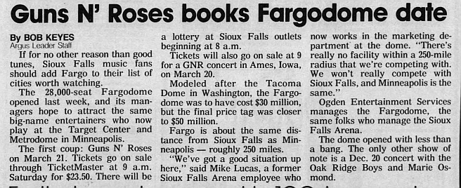 1993.03.21 - Fargo Dome, Fargo, USA 1992_118