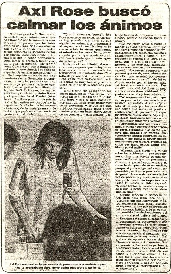 1992.12.04 - Press Conference in Argentina (Axl, Slash, Duff) 1992_119