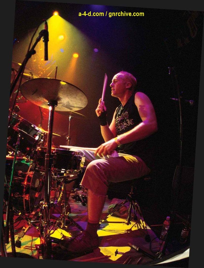 2003.03.DD - Modern Drummer - Josh Freese: In Demand 2003_037