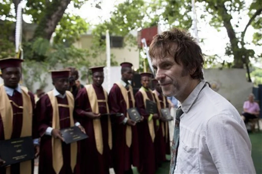 2010.08.07 - Associated Press - Replacements Bassist Tommy Stinson Helps In Haiti  2010_023