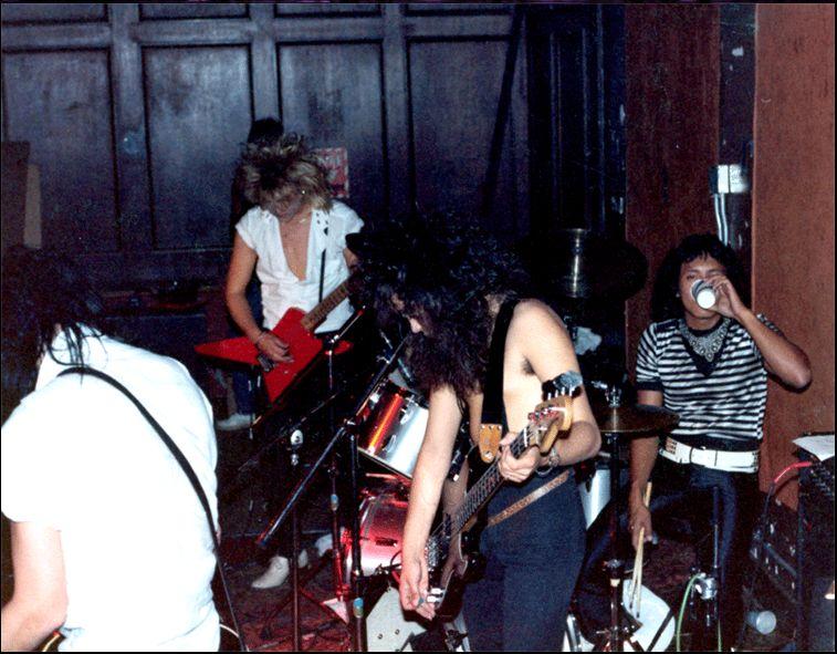 2002.MM.DD - Johnny Kreis Website - Hollywood Rose: The Very Beginning Hollyw11