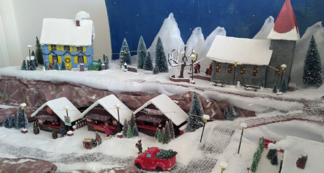 Notre village de Noël 2019 - fait main  Img_2059