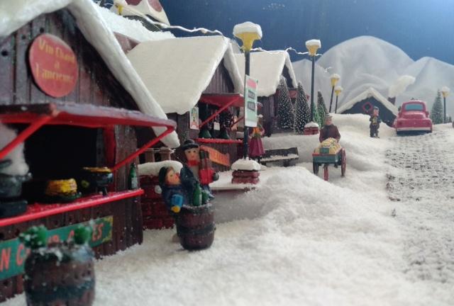 Notre village de Noël 2019 - fait main  Img_2080