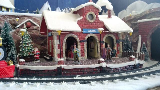 Notre village de Noël 2019 - fait main  Img_2084