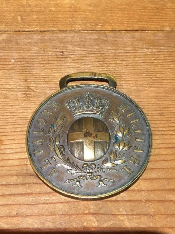 Medaille Al Valore et médaille UNC Rossi ??? Img_5011