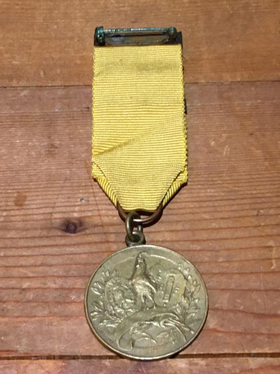 Medaille Al Valore et médaille UNC Rossi ??? Img_5013