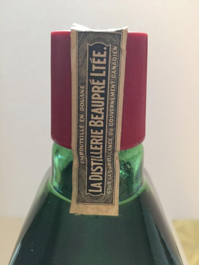 Bouteille intacte et pleine de Gin gai-luron 1962  Img_3520