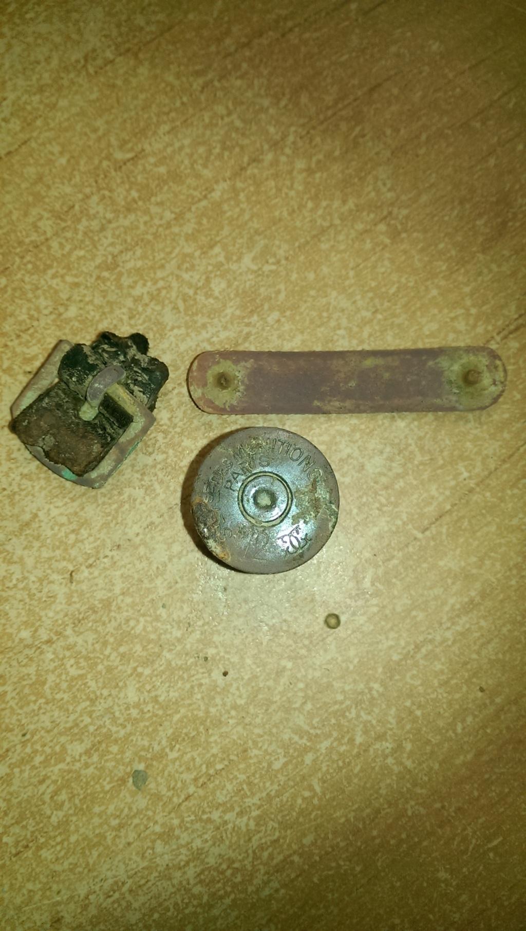 identification de 3 objets. Imag0228