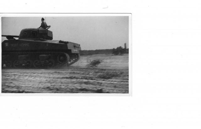 le char MORT HOMME - Page 2 Mort_h11