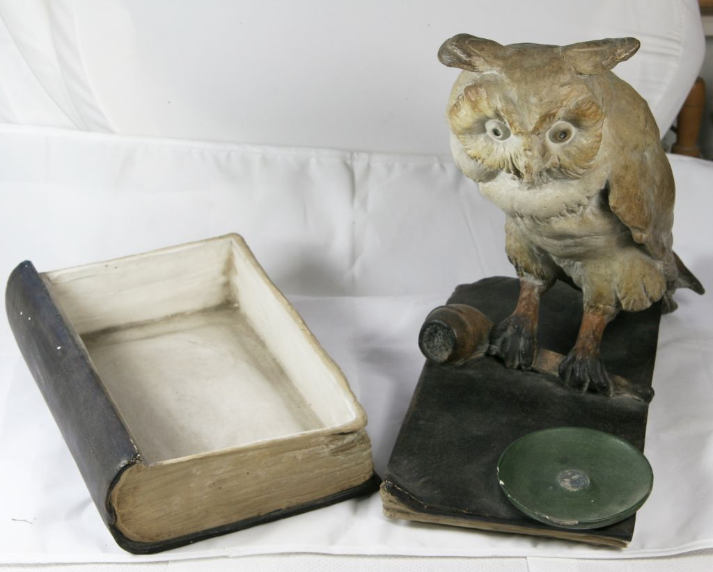 Book, smoking pipe and owl??  K810