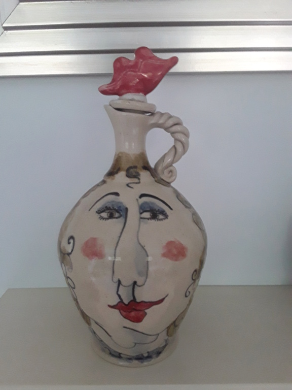 Please help modern jug with face design 20210612