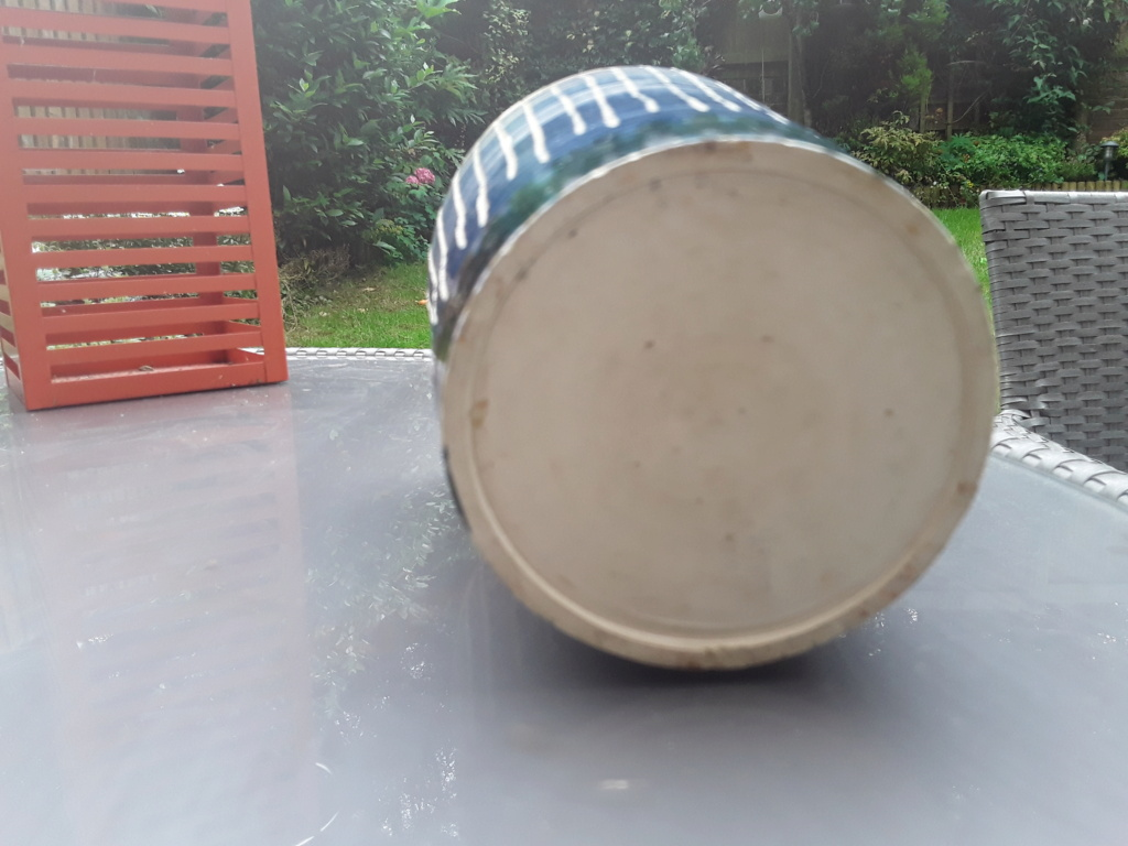 Scraffito pot, no markings 20210713