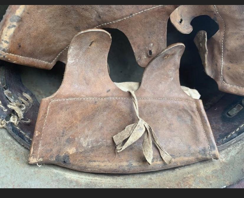 Encore un casque Stahlhelm 00886810
