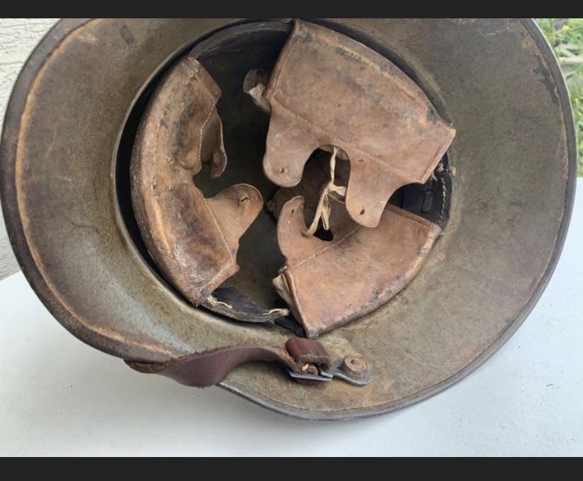 Encore un casque Stahlhelm 0599b210