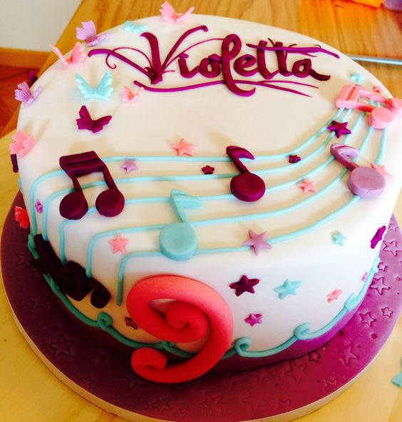 Muchas Felicidades, Violetta!!  Tortav11