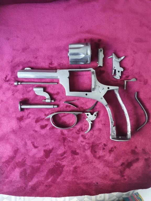 Identification revolver belge et poinçons  20210626