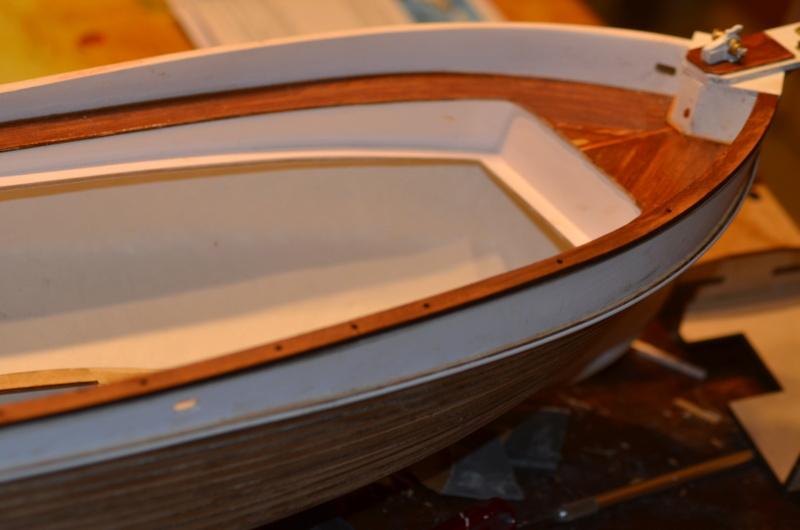 Yacht Grand Banks (RC Amati 1/20°) par caputsyl - Page 3 Dsc_2023