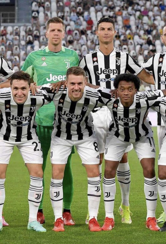 ¿Cuánto mide Cristiano Ronaldo? - Altura y peso - Real height - Página 9 11c6a910