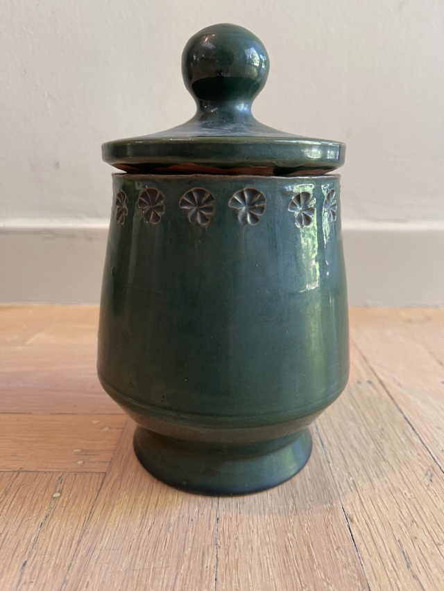 French Pottery Art Deco?  Hand signed  D (backwards) and D pottery Paris Def56210